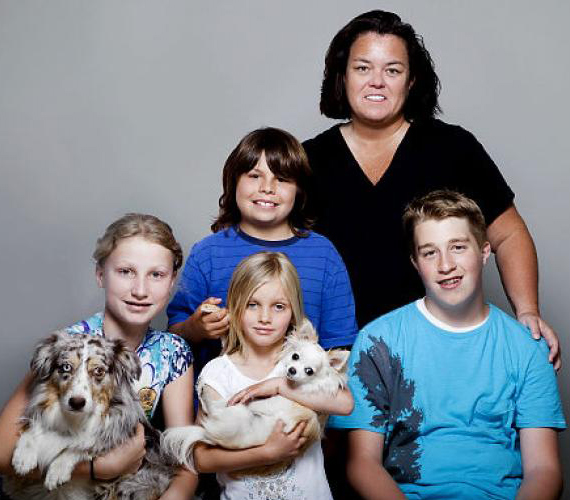 Rosie O'Donnell másik négy gyermeke is mesterséges megtermékenyítéssel fogant.