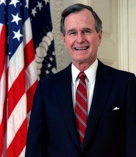 Az Egyesült Államok egykori elnöke, George W. Bush is Parkinson-kórral küzd - 2012-ben tolószékbe is kényszerült az állapota miatt.