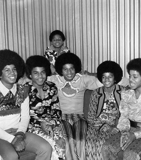 The Jackson Brothers  Zseniális zenei tehetsége már gyerekkorában megmutatkozott. 1964-ben csatlakozott a testvérei által létrehozott együtteshez, a The Jackson Brothershez. 1966-ban átvette bátyja, Jermaine helyét, és ő lett az együttes énekese. A csapat ekkor kapta a Jackon Five nevet.