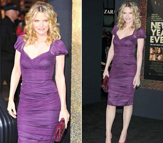Michelle Pfeiffer igazán dögösen festett lila Dolce&Gabbana ruhájában.