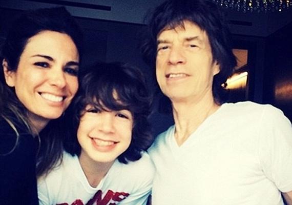 Mick Jagger és Luciana Gimenez Morad fia, Lucas már 16 éves. Az énekes mindenben támogatja csemetéjét, nagyon jó kapcsolatot ápolnak.