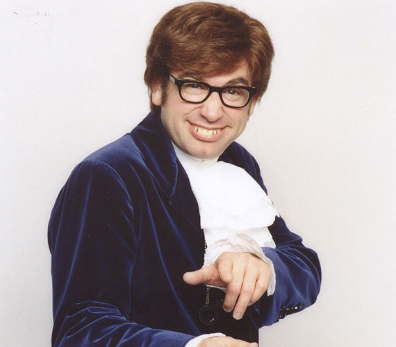 Mike Myers népszerűségét és ismertségét az Austin Powers-filmeknek köszönheti, de szerepelt például a Becstelen brigantyk című alkotásban is.