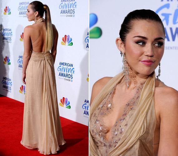 A híresség a december 9-én tartott American Giving Awardson viselt Jenny Packham ruhában sem takargatta nőies idomait.