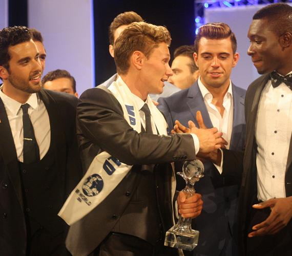 Nicklas a végső, hármas fordulóban végül a mexikói - tőle jobbra - és a nigériai versenyzőt győzte le. Érdekesség, hogy mind a harmadik helyezett mexikói Jose Pablo Minor, mind pedig a másodiknak kikiáltott nigériai Emmanuel Ifeanyi Ikubese jelenleg színészként dolgozik.