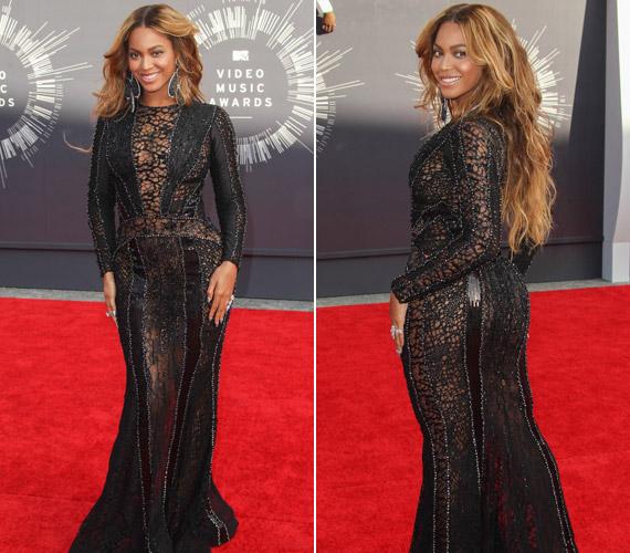 Beyoncé áttetsző csipkeruhája alá nem vett fel fehérneműt sem.