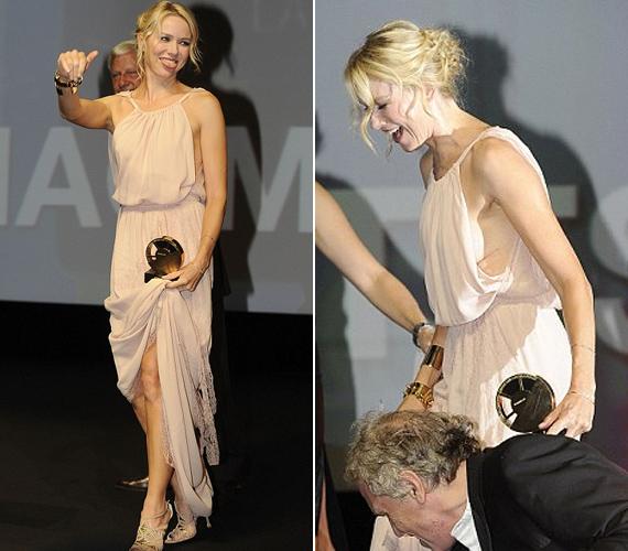 A ruha hossza csak az egyik gond volt. A színésznő melltartót sem vett, úgyhogy lehajolnia sem volt ajánlatos, nehogy még kínosabb helyzetbe kerüljön.