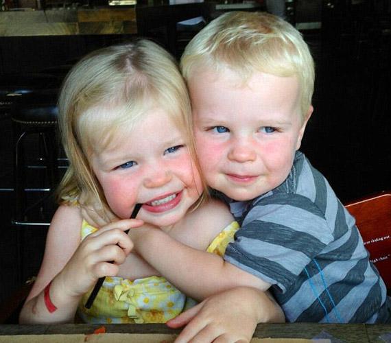 Az ikrek, Gideon Scott és Harper Grace nagyon szeretik egymást, össze vannak nőve kiskoruk óta.