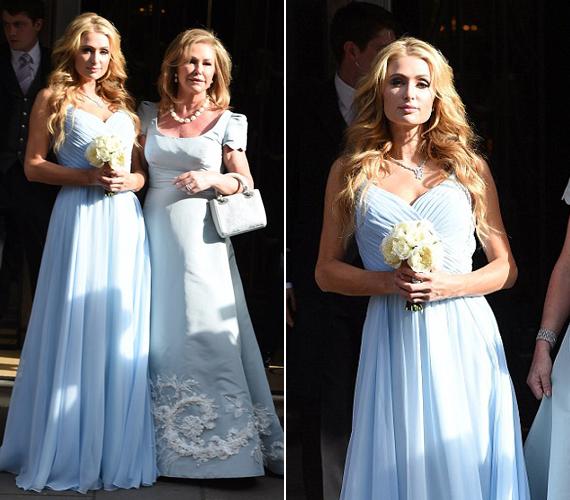 Az örömanya, Kathy Hilton, illetve a menyasszony hírhedt nővére és koszorúslánya, Paris Hilton. Mindketten kék ruhát választottak az esküvőre.