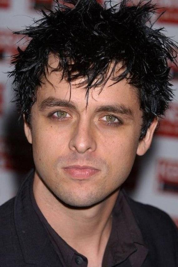 A Green Day együttes frontembere, Billie Joe Armstrong szintén két gyerek édesapja, és imádja feleségét, Adrienne-t, azonban többször beismerte, hogy korábban férfiakkal is állt kapcsolatban.