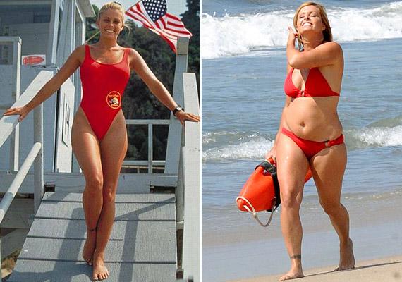 Szemmel láthatóan nem zavarja különösebben a változás, hiszen bátran mutatja meg hurkáit bikinijében - a Baywatch aranykorát idézve.