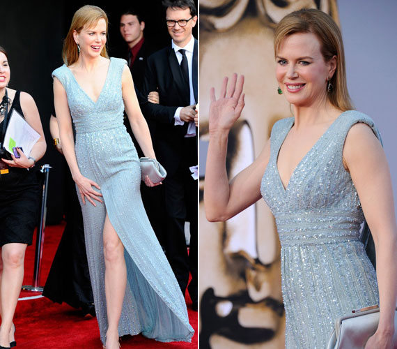 Nicole Kidman 44 évesen is bevállalta: combközépig kivágott estélyijében elbűvölően festett.