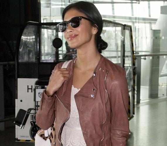 Nicole Scherzinger arcán nyoma sem volt a kimerültségnek, miután leszállt a repülőgépről Londonban.