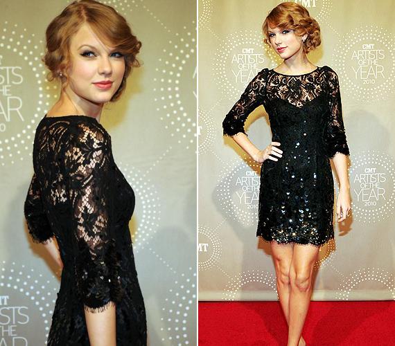 A fiatal énekesnő, Taylor Swift ebben a gyönyörű Jenny Packham-féle kreációban tündökölt.