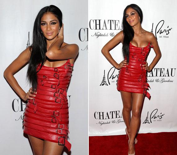 Vagány és rafinált, piros miniruhája kellőképpen kihangsúlyozta formás idomait, igaz, Nicole szinte mindenben jól néz ki.