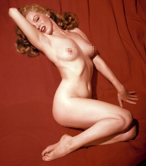 Marilyn Monroe  Marilyn Monroe a Playboy első, 1953 decemberi számában pózolt meztelenül. Hivatalosan azonban nem ő volt az első playmate magazin történetében, Monroe-t ugyanis még úgy mutatták be, mint Sweetheart of the Month.  Kapcsolódó cikk: Sosem látott fotók Marilyn Monroe-ról utolsó filmjének forgatásán »