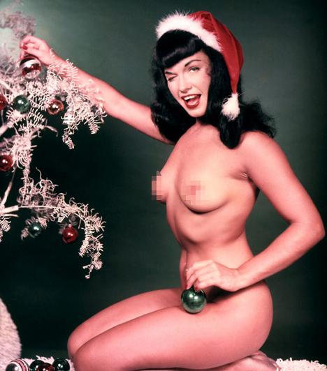Bettie Page  Az ötvenes évek egyik leghíresebb modellje a Playboy 1955 januári számában mutatta meg bájait. Page a fétis modellek egyik úttörő személyisége volt, aki később kiérdemelte a Pin-upok Királynője megtisztelő titulust.