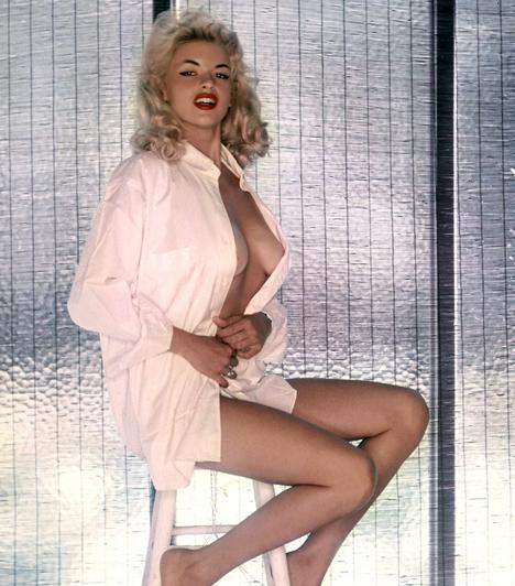 Jayne Mansfield  Az ötvenes évek egyik leggyönyörűbb szexszimbóluma 1955 februárjában volt a hónap nyuszilánya. Karrierje fájdalmasan rövid ideig tartott: 1967-ben ugyanis autóbalesetet szenvedett. 34 éves volt.