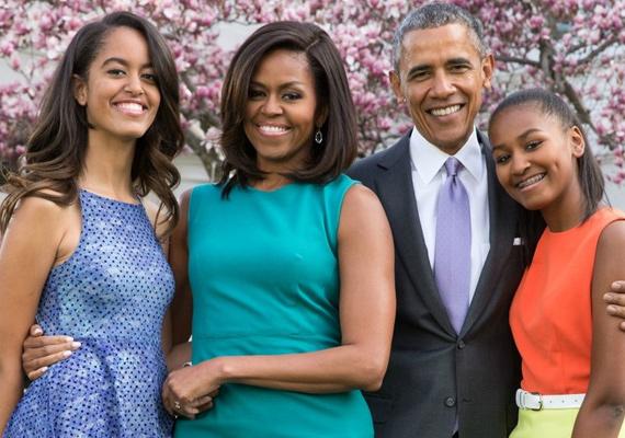 Ilyen gyönyörű fotó készült nemrég az elnöki családról. Szinte hihetetlen, hogy néhány éve még a játszótéren rohangált a két csemete.