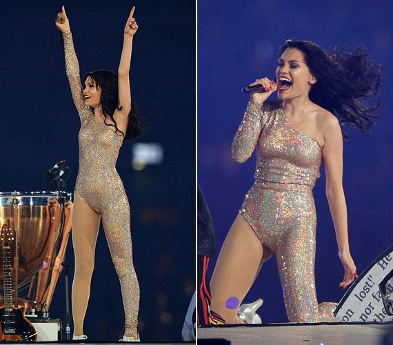 Jessie J nem szégyenlős típus: csillogó fellépőruhájában meztelen hatást keltett.