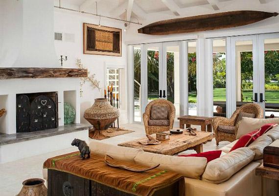 A színésznő és férje,John Easterling 2009-ben vásárolta a házat és 2 millió dollárba került a felújítás.