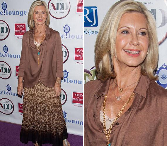 A barna összeállításba türkiz nyakláncával csempészett színt a színész-énekesnő.