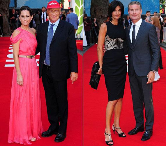 Niki Lauda és David Coulthard, a Forma 1 egykori sztárjai feleségeik oldalán jelentek meg az életrajzi dráma londoni bemutatóján. Az osztrák pilótát a filmben Daniel Brühl német színész játssza.