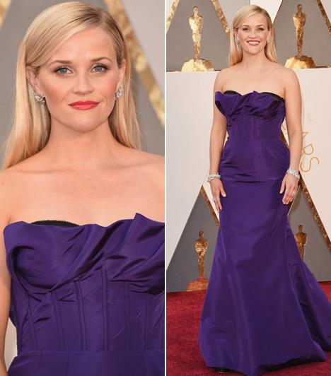 Reese Witherspoon  Tina Feyhez hasonlóan a Vadon sztárja is püspöklila estélyire szavazott a tegnapi gálán - ő is remekül festett benne.
