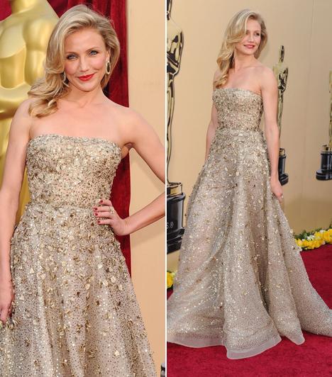 Cameron Diaz                         A 43 éves szőke szépséget 2010-ben választották meg a gála legszebb sztárjának ebben a csillogó Oscar de la Renta estélyiben.