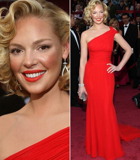 Katherine Heigl  A Grace klinika Izzyjeként ismert színésznő szakasztott Marilyn Monroe volt a 2008-as Oscaron ebben a tűzpiros Escada ruhában.