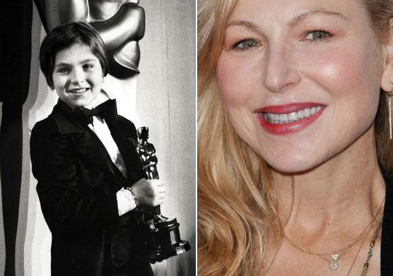 Tatum O'Nealt 1973-ban, tízévesen a Papírhold című filmben nyújtott alakításáért jelölték Oscarra, amelyet sikerült is elnyernie. A mai napig ő a legfiatalabb Oscar-díjas. A most 49 éves színésznő életére a könnyen jött siker rányomta a bélyegét: heroinfüggő volt, és kokainbirtoklásért le is csukták.