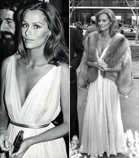 Lauren Hutton  1975-ben ebben a merész, görög stílusú estélyiben jelent meg a vörös szőnyegen. A színésznő-modell választásával mindenkit elkápráztatott.