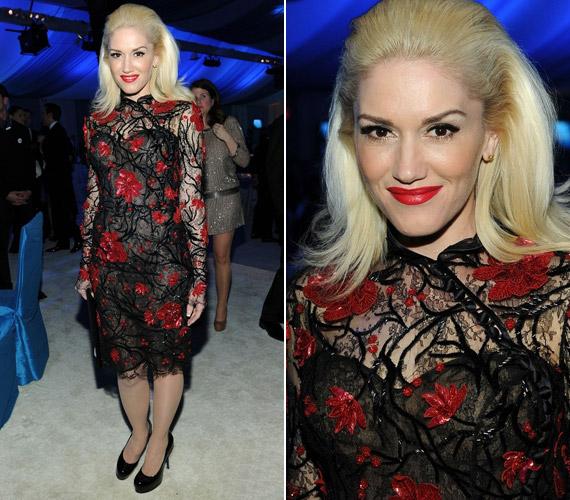 Gwen Stefani ruhája sokkal szexibb és elegánsabb lett volna a feltűnő, vörös virágminták nélkül.