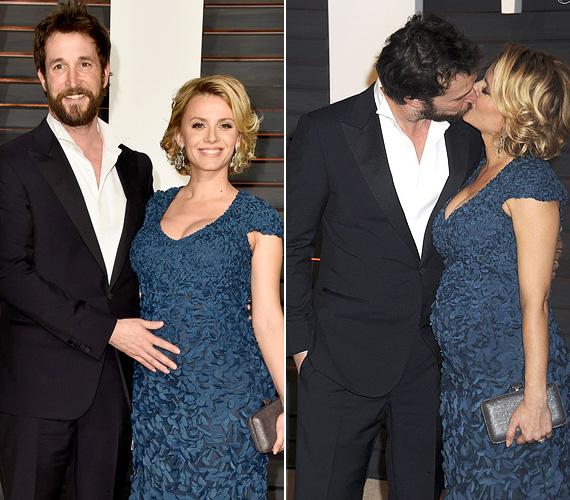 A 43 éves színész eddig nem beszélt a babáról, az Oscart követő Vanity Fair-partin azonban büszkén simogatta felesége domborodó hasát, majd a szóvivőjén keresztül is elismerte, párjával első gyermeküket várják. Sara Wells a színész második felesége, 2014 nyarán házasodtak össze. A születendő kisbaba a színész harmadik gyereke lesz, első feleségétől már van egy fia és egy lánya.