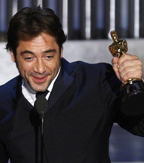 Javier Bardem  A sármos spanyol színészt 2001-ben már jelölték a legjobb férfi főszereplő Oscar-díjára a Mielőtt leszáll az éj című filmben látható alakításáért. Ám a díjat végül a legjobb férfi mellékszereplő kategóriájában vehette át 2008-ban a Nem vénnek való vidék hidegvérű gyilkosának megformálásért.