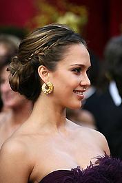 Jessica Alba fülbevalója