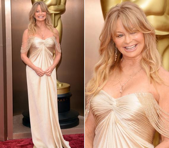 Goldie Hawn 68 évesen is szereti megmutatni bájait.