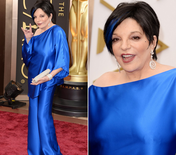 Liza Minnelli még egy tincsét is befestette kékre.