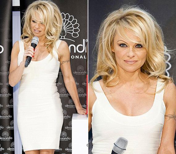 A színésznő már 45 éves, a kora nem mutatkozik meg a bőrén és az alakján, bár ez leginkább a plasztikai sebészének köszönhető.
