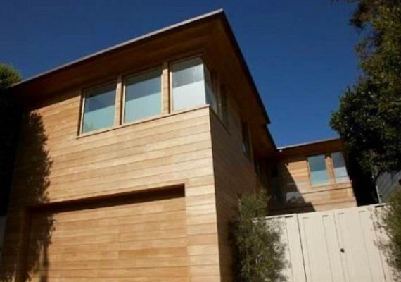 A ház az ingatlanosok szerint a malibui partszakasz egyik legszebb háza.