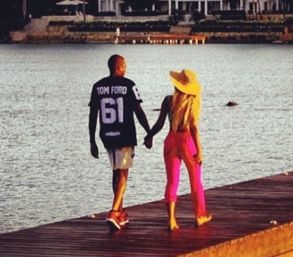 Beyoncé férjével romantikázott.