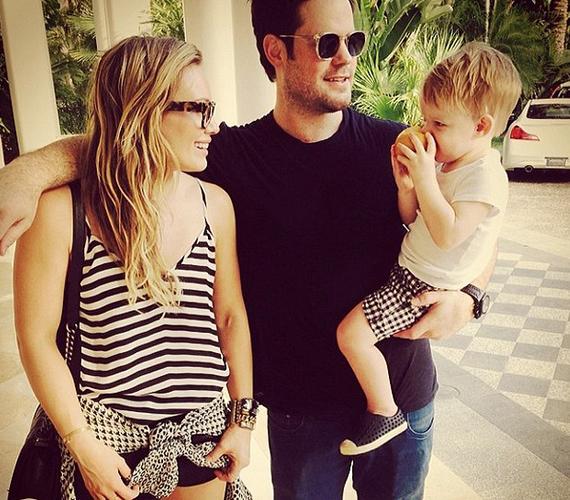 Bár Hilary Duff éppen válik, mégis volt férjével töltötte a Valentin-napot.