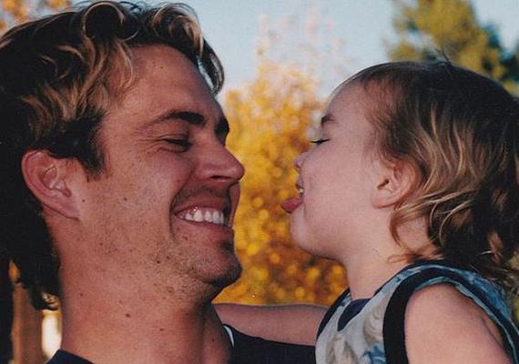 """Édesapja halálának évfordulóján osztotta meg Meadow ezt a fotót. A kép alá csak ennyit írt: """"Szeretlek."""""""