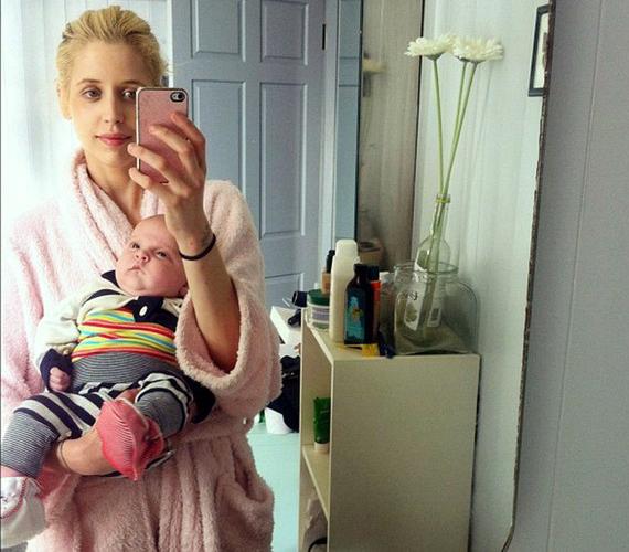 Sir Bob Geldof lánya imádja a családi fotókkal elárasztani a Twittert.