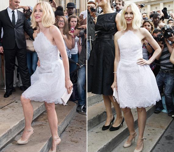 A 46 éves színésznő, Naomi Watts az Armani Prive show-n állt a fotósok elé ebben a romantikus díszítésű, fehér ruhában, ami remekül állt neki új, hidrogénszőke frizurájához.