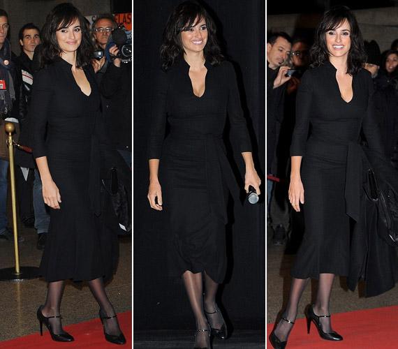 A barna színésznő lenyűgözően festett egyszerű, fekete ruhájában.