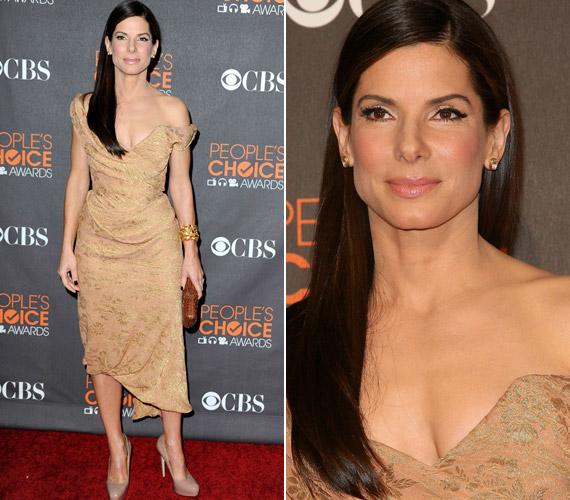 2010-ben Sandra Bullock ebben aVivienne Westwood ruhában jelent meg, az ítészek szerint pedig elég szedett-vedett benyomást keltett.