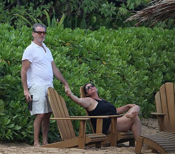 A közös nyaralásról készült fotóknál semmi nem bizonyíthatja jobban, hogy a színész igazat mond, süt róluk, hogy imádják egymást, még 21 együtt eltöltött év után is.