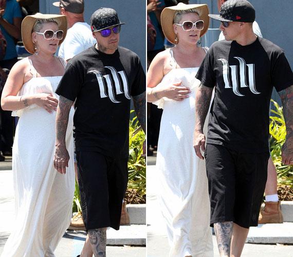 Az énekesnő és Hart 2001 óta vannak együtt, de 2008-ban már egyszer szakítottak. Később azonban újra egymás mellett kötöttek ki.