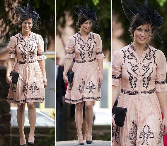 Az Alice Temperley ruha ára több mint 130 ezer forint átszámolva.