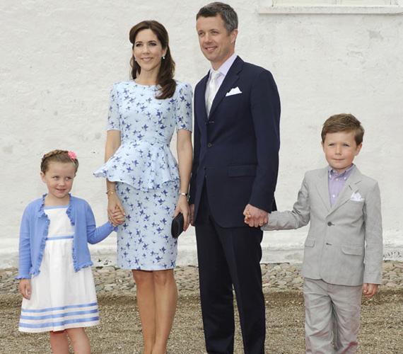 Mária dán hercegné négy gyerek után is irigylésre méltóan karcsú. Christian herceg 2005. október 15-én, Isabella 2007. április 21-én született, majd 2010. augusztus 6-án ikreknek adott életet.
